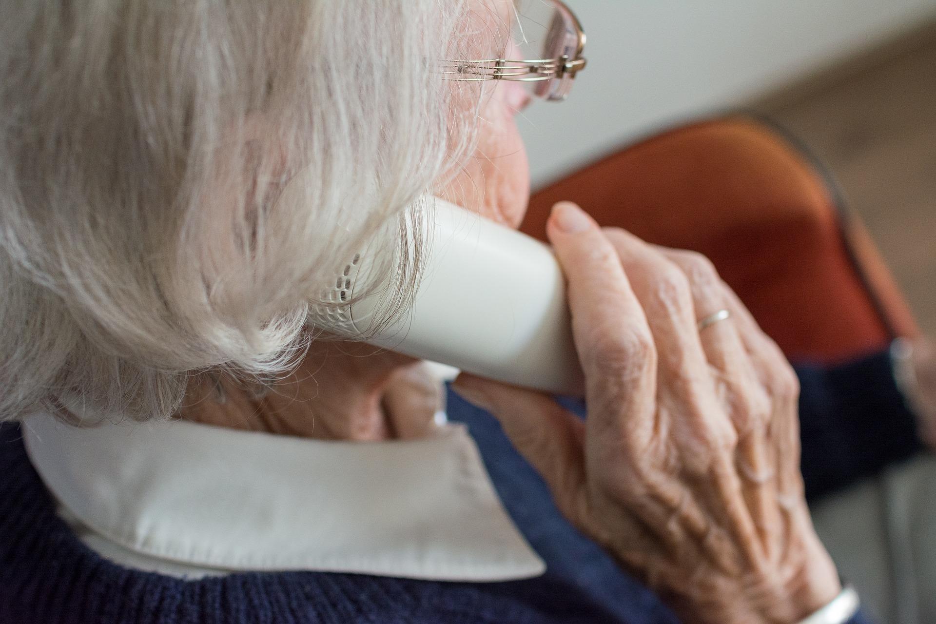 Choisir le bon téléphone portable pour senior