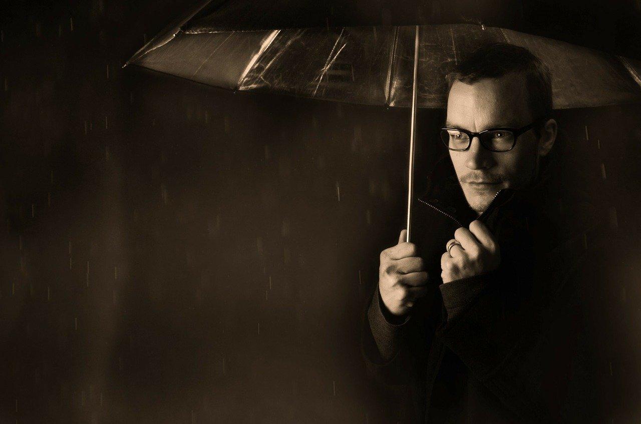 Comment bien choisir un parapluie pour homme ?